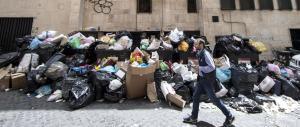 L'Italia sommersa dai rifiuti: uno sciopero mette in ginocchio le nostre città