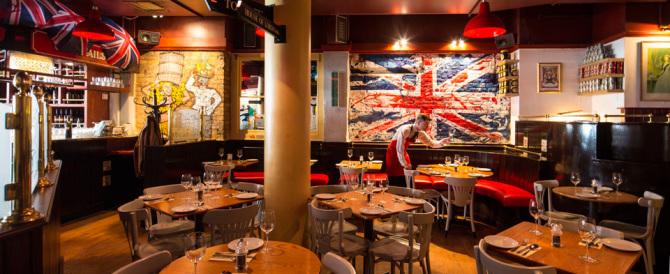 Rivoluzione nei ristoranti inglesi: basta con la mancia obbligatoria