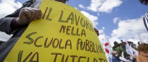 Scuola, docenti in corteo: sciopero nazionale per il contratto