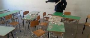 Gioia Tauro, crolla l'intonaco a scuola. Tre studentesse ferite