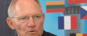 Brexit, prosegue il terrorismo pro-Ue. Berlino minaccia: «Guai a chi se ne va»
