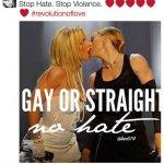Madonna ripubblica il suo vecchio bacio saffico... (Foto Instagram)