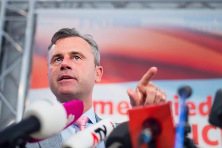 Brogli in Austria, Hofer fa ricorso contro il voto per corrispondenza