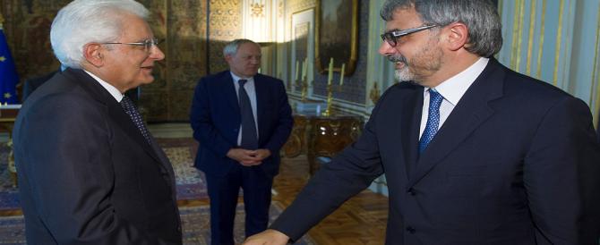 Così Renzi e un ex-burocrate Ue vogliono farci pagare WhatsApp