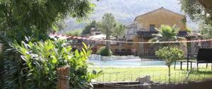 Bimba morta in piscina, rumeno indagato per omicidio e violenza sessuale