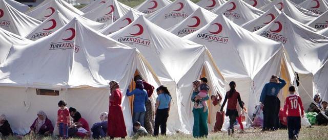 Migranti, bomba ad orologeria: l'Europa é nelle mani della Turchia