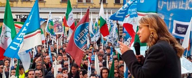 """Il Pd crolla ancora nei sondaggi. """"Boom"""" di Fratelli d'Italia: sfiora il 7%"""