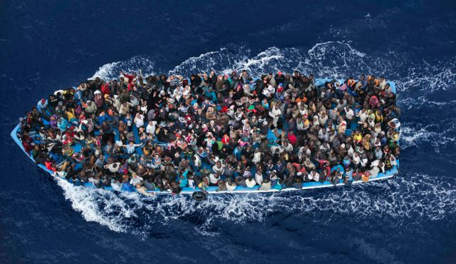 Immigrati a Mineo: coop gonfiano i numeri per truffare lo Stato