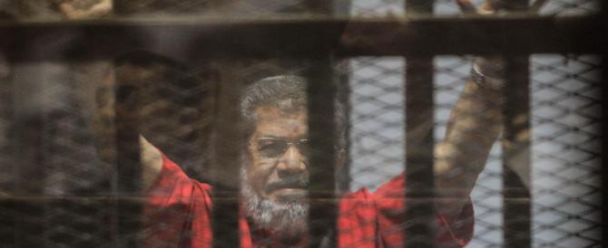 Egitto: l'ex presidente Morsi condannato all'ergastolo