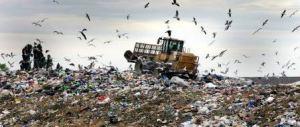 Raccolta rifiuti in Puglia, per la Dda appalti e proroghe sospette