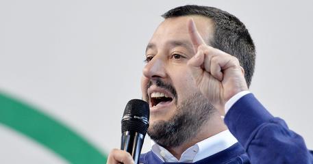 """Salvini contro Stefano Parisi: """"Il mio interlocutore è Berlusconi"""""""