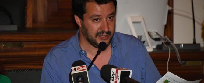 """Salvini: """"Se vince il No e Renzi non si dimette, circondiamo le Camere"""""""