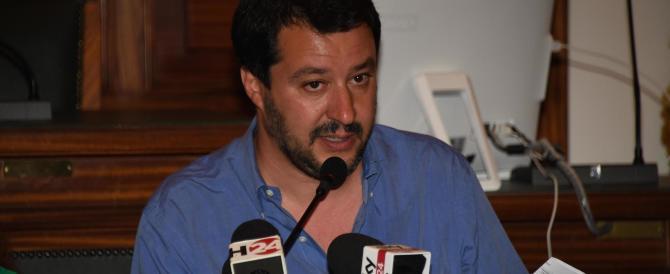 """Salvini punta sulla """"Brexit all'italiana"""" e annuncia: raccoglieremo le firme"""