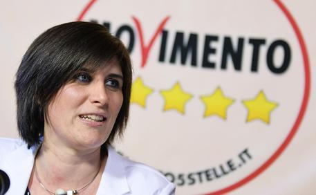 Torino, Appendino silura il banchiere Profumo e Fassino diventa lo zimbello del web