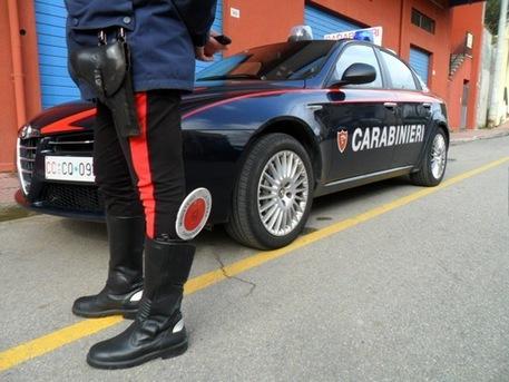 Torino, aggredisce bimba di otto anni con un ramo. Salvata dai carabinieri