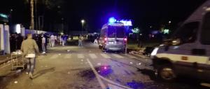 Cinesi in rivolta a Sesto Fiorentino: bottiglie e pietre contro polizia e carabinieri