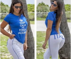 Il sexy tifo di Claudia Romani: da Miami tutta (s)vestita di azzurro (Foto)
