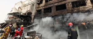 Doppio attentato suicida a Baghdad, l'Isis rivendica il massacro: 27 morti