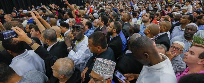 Muhammad Ali, in migliaia per l'ultimo saluto al funerale islamico