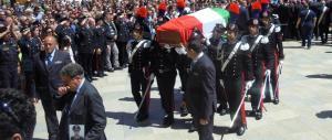 Marsala, migliaia di persone ai funerali del maresciallo dell'Arma Mirarchi