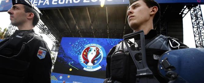 Parigi, il killer dei poliziotti su Fb: «Euro 2016 sarà un cimitero»
