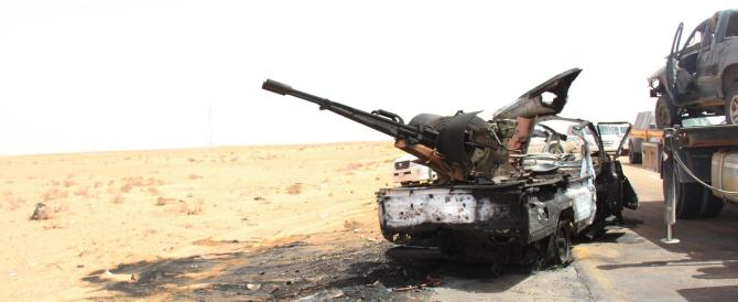 """Nella Libia """"liberata"""" dall'Europa è guerra totale: tutti contro tutti"""