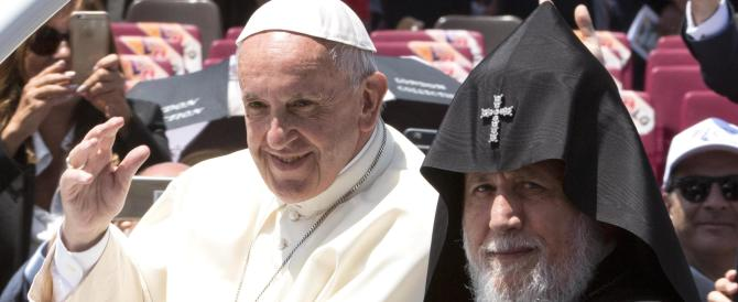 Papa Francesco in Armenia rende omaggio alle vittime del genocidio