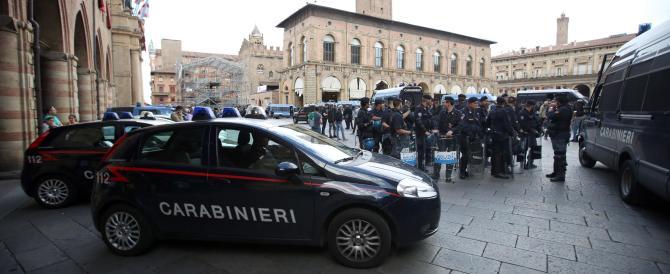 """Arriva Salvini, scontri a Bologna: """"E' l'Almirante dei nostri giorni"""" (fotogallery)"""
