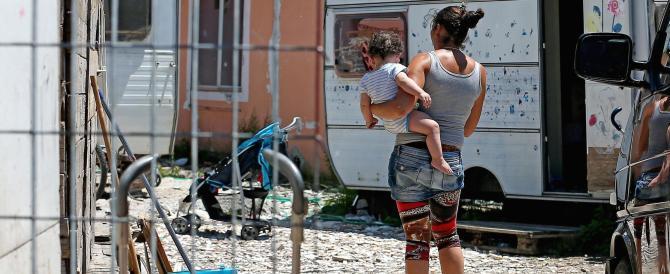Roma, spari in un campo nomadi forse dopo un tentativo di stupro: 3 feriti