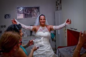 Finta sposa trans a Napoli, così Francesca realizza 'sogno'