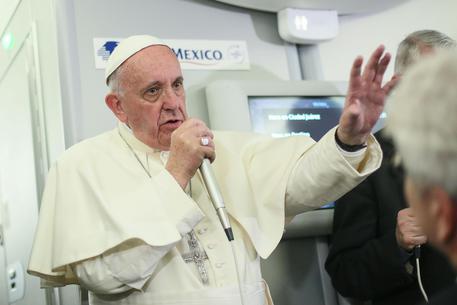 """Il Papa: """"Dio converta i cuori dei violenti accecati dall'odio"""""""