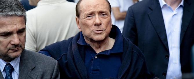 Tutti a consigliare Berlusconi: fai il populista. No, sii realista. Anzi, non fare nulla