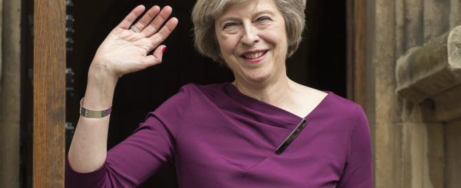 Rissa tra donne al vertice dei Tory: la Leadsom si ritira e lascia il campo alla May