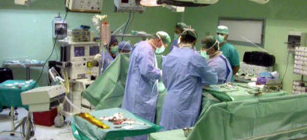 Paziente morto al Policlinico di Catanzaro: chiesto processo per 4 medici