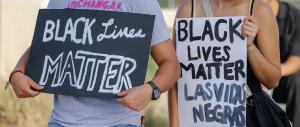 Dallas, la protesta nera incalza. La polizia risponde con arresti a raffica (VIDEO)