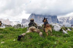 Un momento dell'esercitazione 5 Torri 2016, dimostrazione delle capacità dell'Esercito nel saper operare in ambiente montano