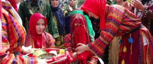 """Violenze sessuali, la """"soluzione"""" turca: gli stupratori riparano col matrimonio"""
