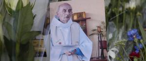 """L'eroismo di padre Jacques: """"Non si è inginocchiato davanti ai killer"""""""