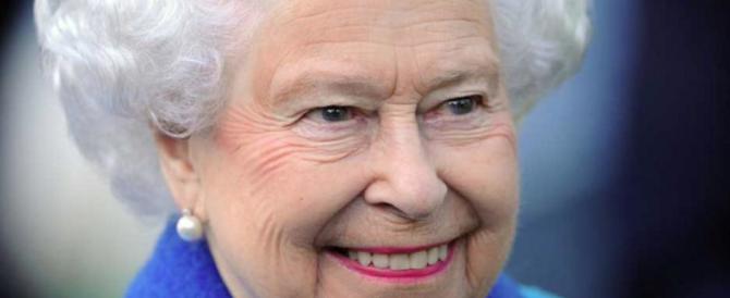 Brexit, parla la Regina: «Fiducia negli scozzesi». Ma la premier la gela