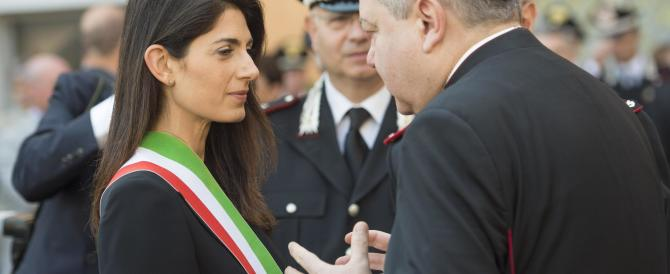 """Raggi nel mirino della stampa tedesca: """"A Roma il nuovo puzza di vecchio"""""""