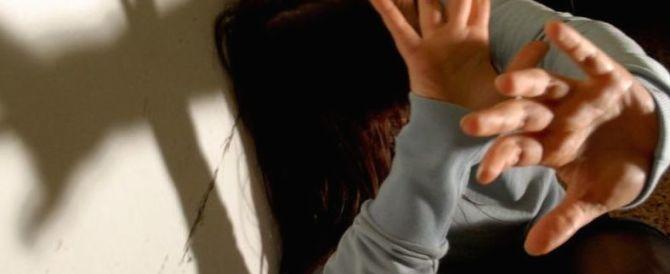 Riccione, donna stuprata e rapinata da due marocchini clandestini: arrestati