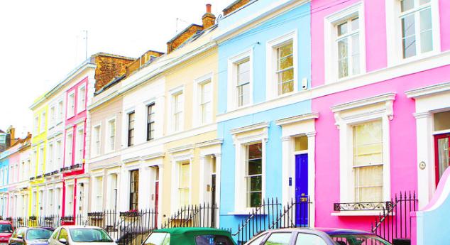 Londra, scende del 5,5% il prezzo delle case. Boom di richieste in Scozia