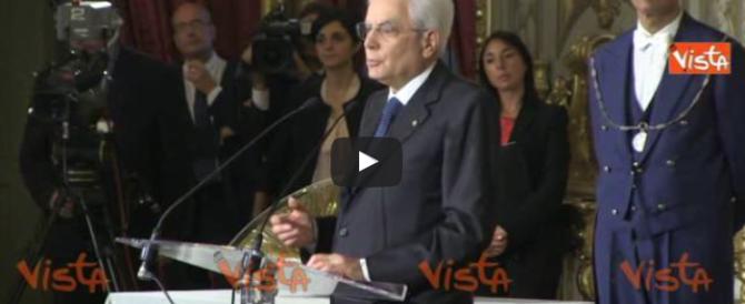Mattarella comincia a esternare: sul referendum strapazza i grillini
