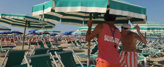 Spiagge, schiaffo dall'Ue all'Italia. Gasparri: «Governo incapace»