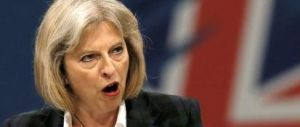 La May sfodera la grinta in Parlamento: per i media ricorda la Thatcher