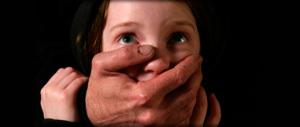 Pedofilia, si fingeva minorenne per adescare ragazzini su web: arrestato