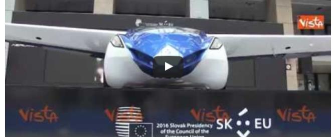 Bruxelles, l'auto che vola in mostra al Consiglio Ue (video)