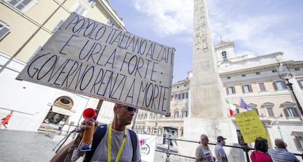 L'ira delle vittime del salva-banche di Renzi: «Risparmi azzerati, ladri tutelati»