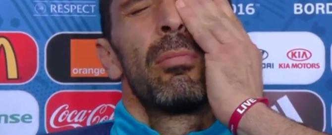 L'italia torna a casa tra memorabili gaffe e lacrime d'amore (video)