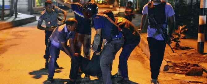 Ostaggi sgozzati con lame affilatissime: i macabri dettagli della strage di Dacca